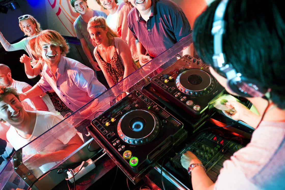 Party DJ gesucht ?